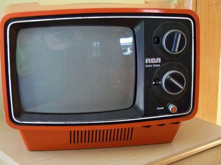1975 RCA Portable TV Set